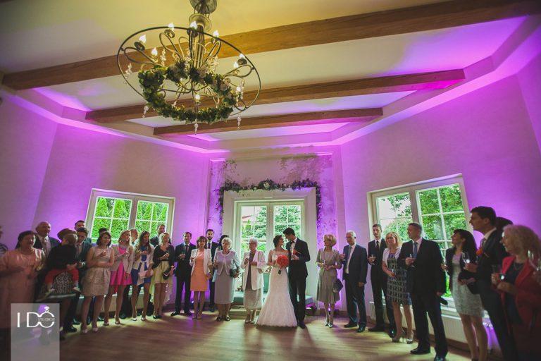 Fotografia ślubna – Jak uchwycić piękno tego wyjątkowego dnia