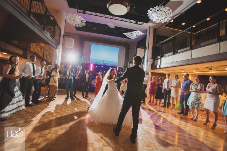 Jak wybrać fotografa naślub?