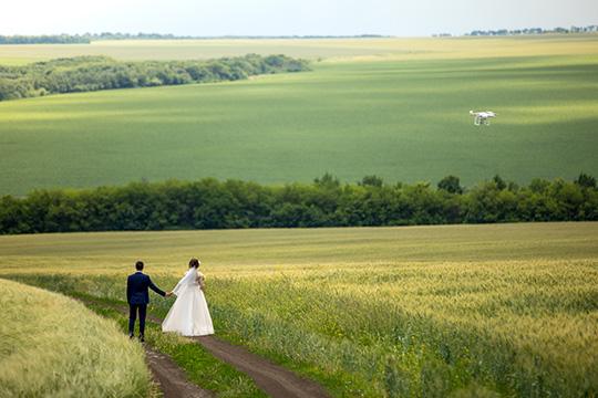 Dron naślub – konieczność czyfanaberia?